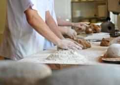 Хороший хлеб - всегда ручная работа